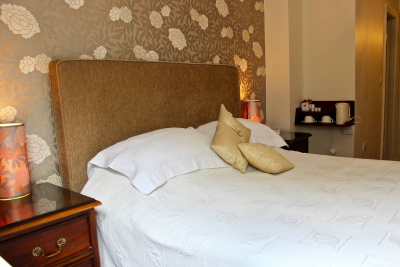 Kinsale B&B 5 star guest accommodation with country side West Cork views.